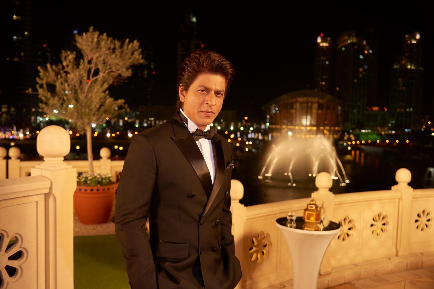 "SRK says ""Be My Guest"" again   Asian Lite UAE"